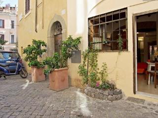 Apartment DIAMONDS & RUST - Rome vacation rentals