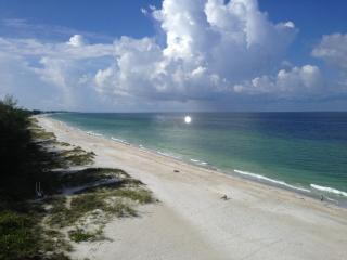 Direct Beachfront 2 BR Condo on Florida'S Beautiful Gulf Coast! - Holmes Beach vacation rentals