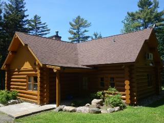Cozy 3 bedroom Chalet in Saint Sauveur des Monts with Internet Access - Saint Sauveur des Monts vacation rentals