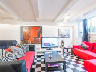 Smokerfriendly Center/Canal apartment - Amsterdam vacation rentals