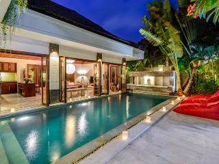 VILLA MENARI - 24 HR SECURITY, GREAT VALUE - Seminyak vacation rentals