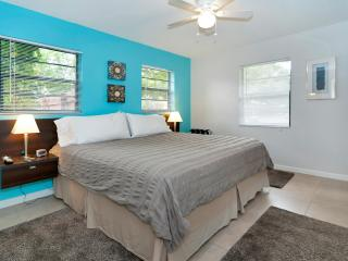 Audrey Place Unit 3 Bright 600sf 1BR/1BA apt - Wilton Manors vacation rentals