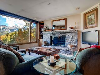 It lives up to the legend - Mountain Village, private balcony, community game room and hot tub access - The Folk Lorian - Mountain Village vacation rentals