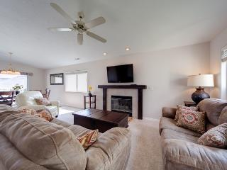 X-Box 360, Blu-Ray, HD TV'S - All the Hookups! Large 3 Bedroom Las Palmas Condo with a View!!! - Ivins vacation rentals