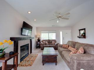X-Box 360, Blu-Ray, HD TV'S - All the Hookups! Large 3 Bedroom Las Palmas Condo with a View!!! - Saint George vacation rentals