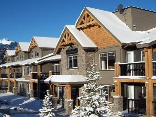 Rocky Mountain Getaway Near Canmore - Exshaw vacation rentals