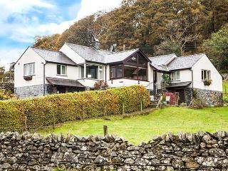 BROWSIDE, pet-friendly cottage with hot tub, superb lake views, near Coniston Ref 913968 - Coniston vacation rentals