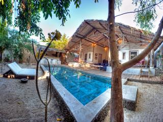 Villa Rumah Rinda - Tanjung vacation rentals