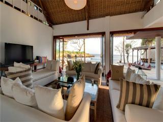 SL1327 - Java vacation rentals