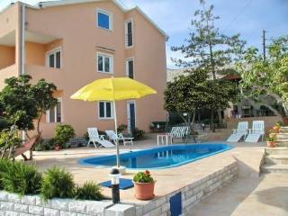 Melandura ~ RA31233 - Dinjiska vacation rentals