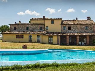 CASA D' ERA COUNTRY HOLIDAY HOUSE Flat Traviata - Lajatico vacation rentals