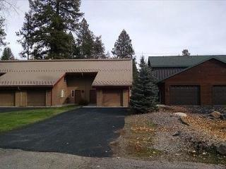 Spacious Condo, view of golf course, trailer parking & walk to public beach - McCall vacation rentals