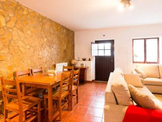 Beautiful House in Obidos with Central Heating, sleeps 6 - Obidos vacation rentals