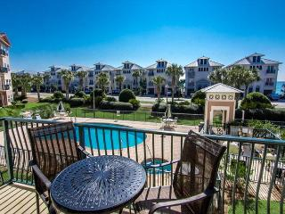 Emerald Water 204 near DESTIN  2BR Lux Condo Sleep 6 Pool Hot tub Gulfvew - Miramar Beach vacation rentals
