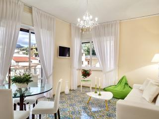 Sorrento Charme, Apartment in ideal location - Sorrento vacation rentals