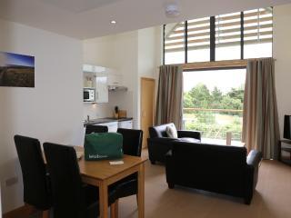 Bright 3 bedroom Apartment in Saint Brelade with Internet Access - Saint Brelade vacation rentals