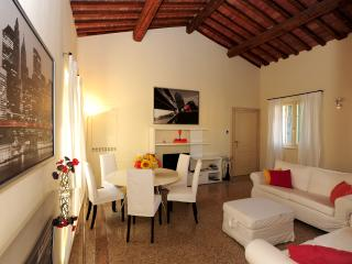 2 bedroom Townhouse with Internet Access in Verona - Verona vacation rentals