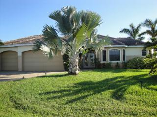 Villa Manatee- Beautiful waterfront Villa with gulf Access - Cape Coral vacation rentals