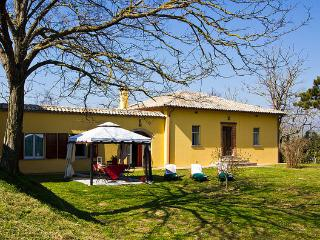 Beautiful Villa with Internet Access and Central Heating - Urbania vacation rentals