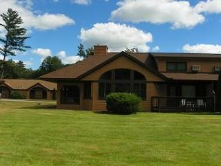 Golf and Ski Vacation Rental close to Loon and Cannon Ski Resorts with indoor pool next door! - Woodstock vacation rentals