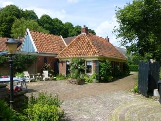 Romantic cottage with private sauna - Winsum vacation rentals