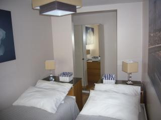 Royal Jasmin Principe Real/Bairro Alto 2BR/2BA - Lisbon vacation rentals