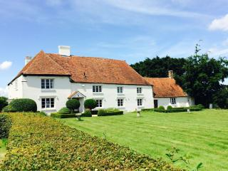 Paramour Grange a listed country house for rent - Canterbury vacation rentals