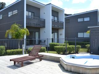 Cozy 2 bedroom Villa in Whitianga - Whitianga vacation rentals
