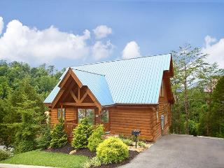 Luxurious Cabin Only 1/2 Mile from Parkway. April from $99! Sleeps 6. - Tennessee vacation rentals