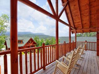 HOT SPRING SPECIAL FROM $179! 4BR Log Cabin w/ Views, Hot Tub, & Pool Table. - Sevierville vacation rentals