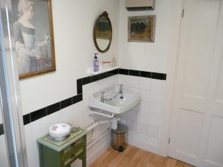 Abbey Flat 7027 - Bath vacation rentals