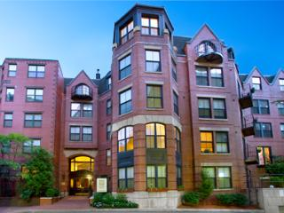 LUX 2 BR/2BA  APT IN POST-WAR BUILDING WITH WiFi - Greater Boston vacation rentals