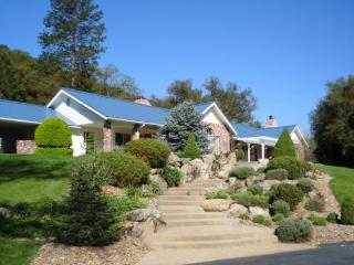Beautiful Equestrian Estate in Ahwahnee Riverbend - Ahwahnee vacation rentals