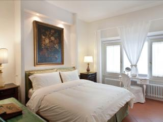 Nice Condo with Internet Access and Washing Machine - Fiesole vacation rentals