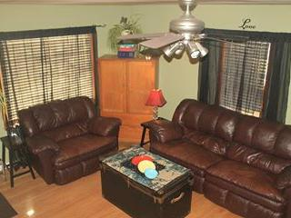 Cozy family friendly home, perfect location! - Nebraska vacation rentals