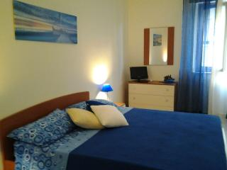 Cozy 2 bedroom Apartment in Casteldaccia with Internet Access - Casteldaccia vacation rentals