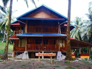 yanto's place, mentawai - indonesia - Siberut vacation rentals