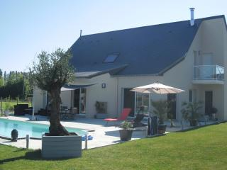 Nice 2 bedroom Guest house in Le Mans - Le Mans vacation rentals