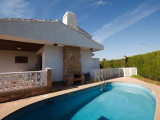 Family friendly villa, BBQ, pool and own garden - Playas de Orihuela vacation rentals