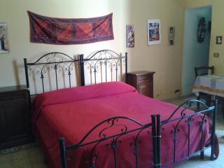Romantic 1 bedroom Condo in Palermo - Palermo vacation rentals