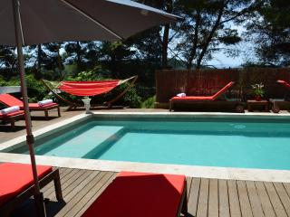 Pet-Friendly, Charming 1 Bedroom Apartment with Pool and Spa - Martigues vacation rentals
