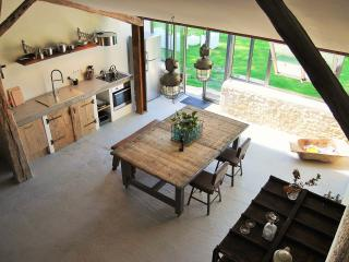 1 bedroom Barn with Internet Access in Saint-Etienne-de-Villereal - Saint-Etienne-de-Villereal vacation rentals