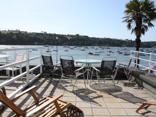 Bright 2 bedroom Vacation Rental in Helford Passage - Helford Passage vacation rentals