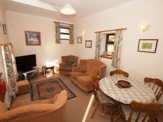 2 bedroom Cottage with Internet Access in Pontardawe - Pontardawe vacation rentals