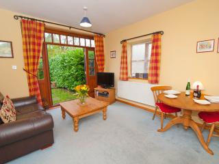 Charming Cottage with Internet Access and Dishwasher - Stonham Aspal vacation rentals