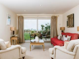 Flight 5* Garden Apartment at Hawkes Point - Saint Ives vacation rentals