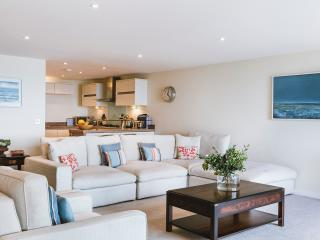 Under the Moon 5* Penthouse in Carbis Bay - Saint Ives vacation rentals