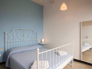 Seafront 1-bedroom apartment with panoramic views! - Giardini Naxos vacation rentals