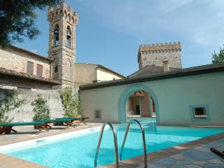 Perfect Villa in Pontassieve with Dishwasher, sleeps 12 - Pontassieve vacation rentals