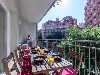 5 bedrooms, 2 baths near Sagrada Familia - Barcelona Province vacation rentals